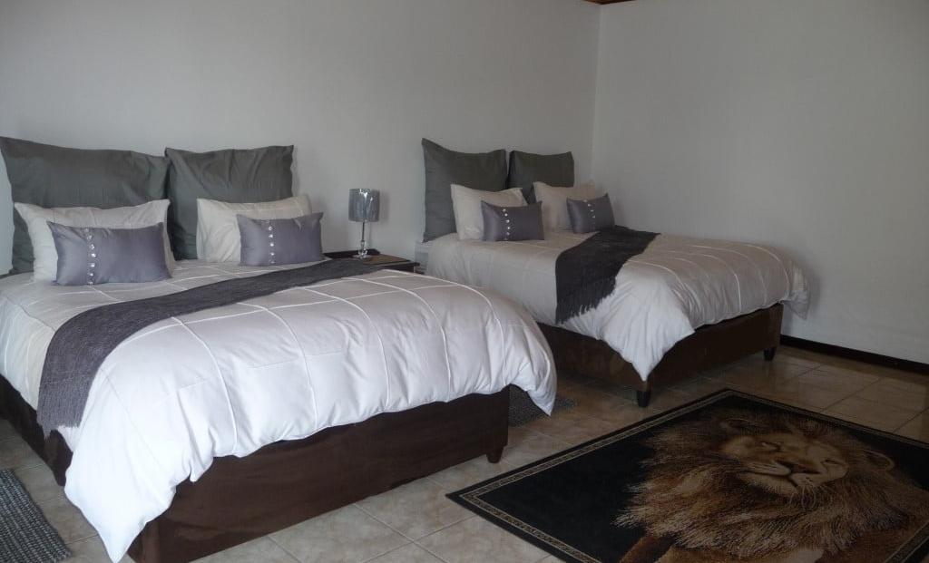 Airport Game Lodge - slaapkamer