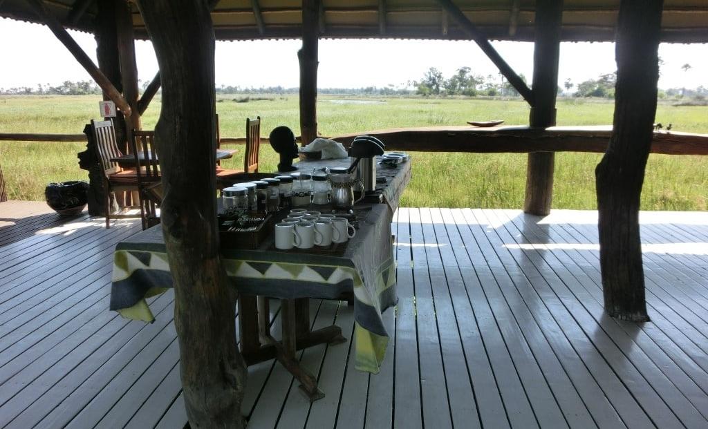 Gunns Camp - Koffie en thee met uitzicht over de Okavango Delta