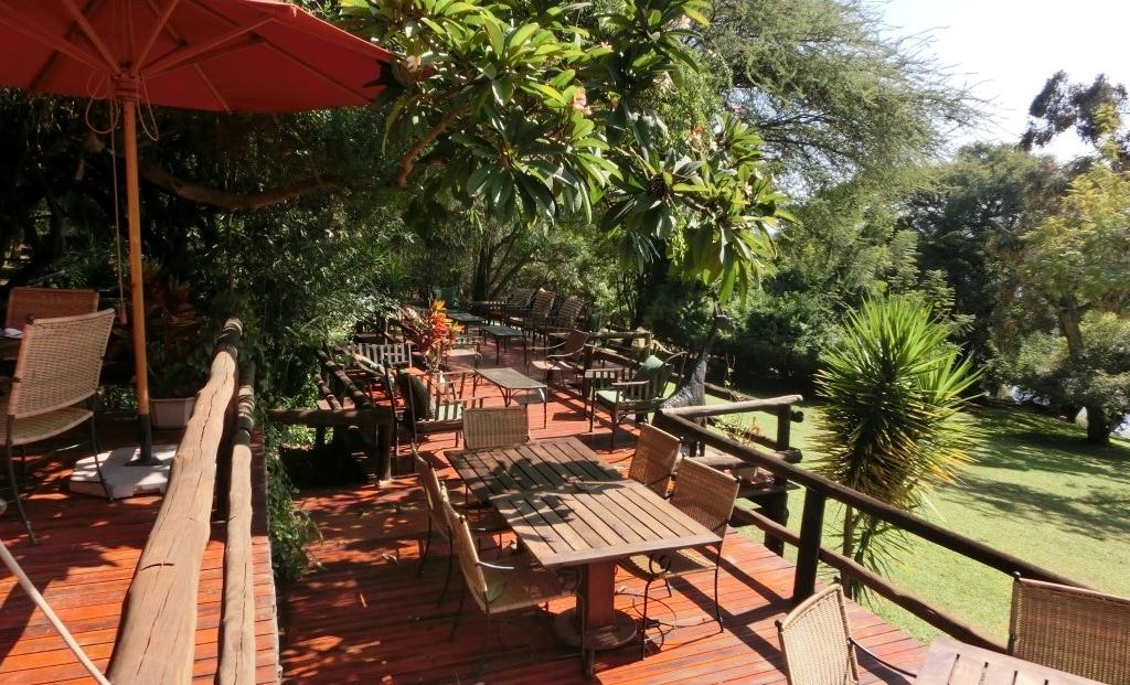 Kubu Lodge - Zonnig terras