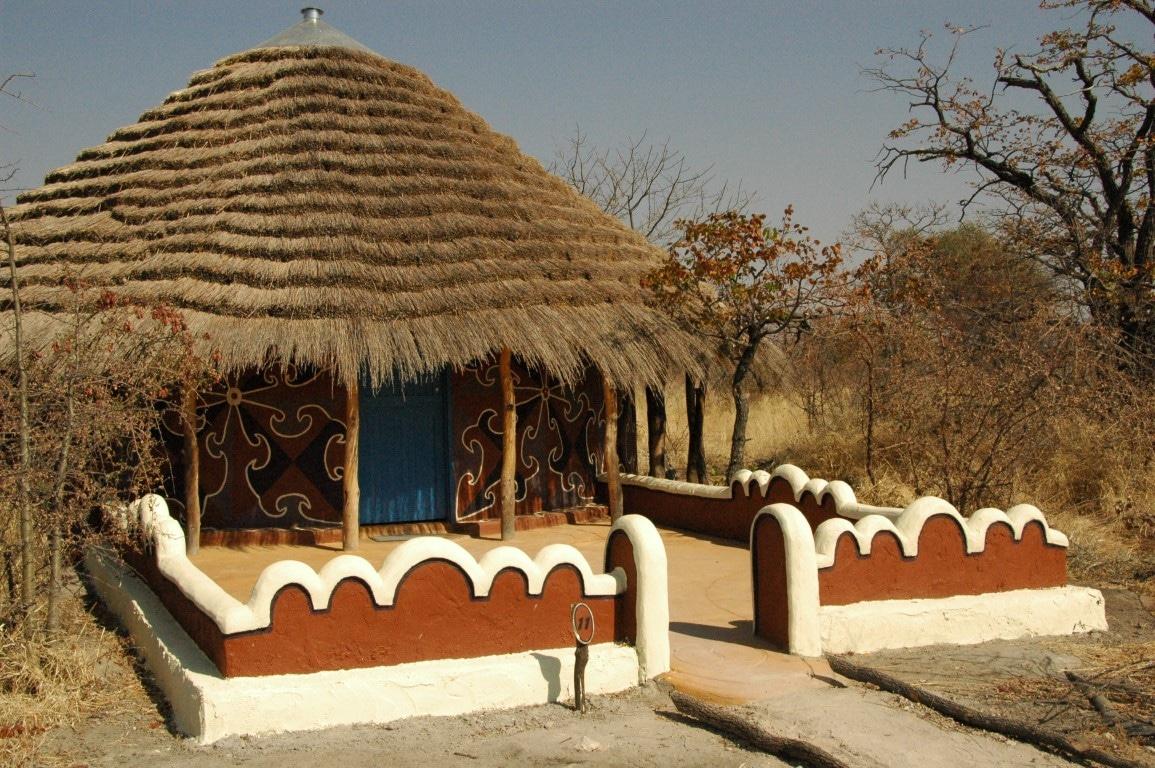 Individuele reizen Botswana: Hutten in de traditionele sfeer van de lokale Setswana bevolking.