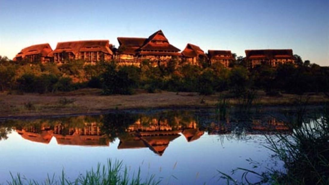 Victoria Falls Safari Lodge (6)