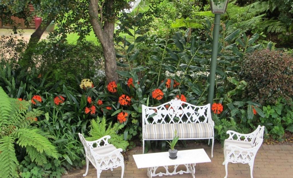 Caledon Villa - zitje in de tuin