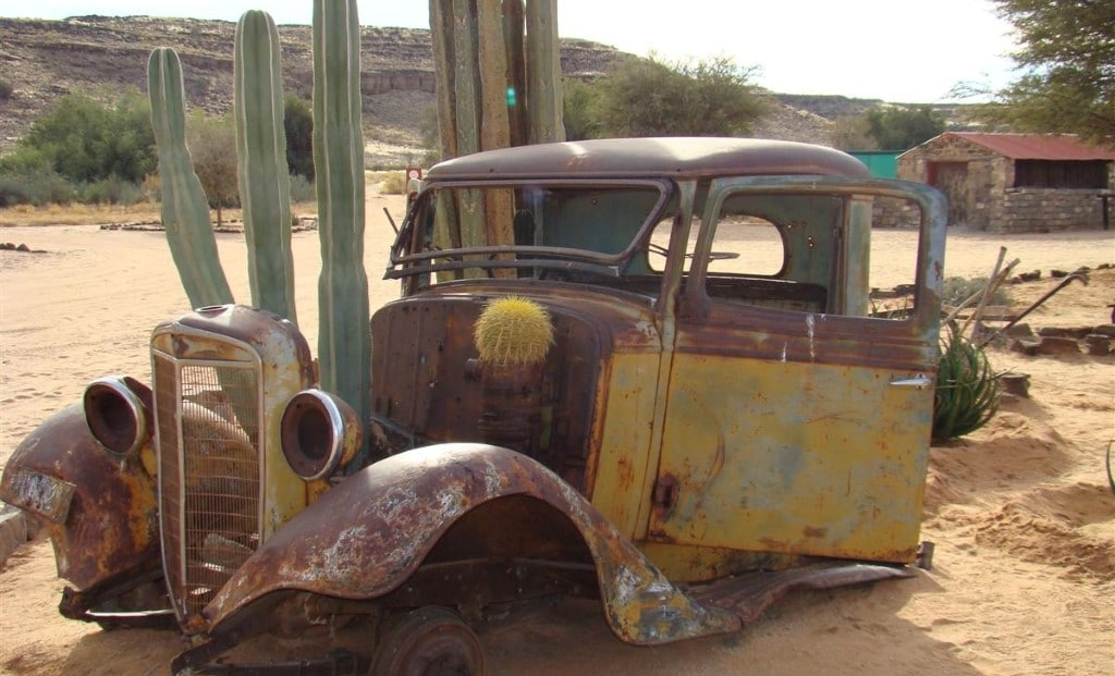 Canon Roadhouse - Oude verroeste auto