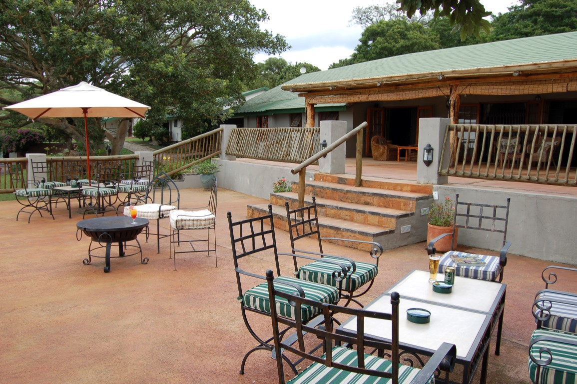 Chestnut Country Lodge - terras