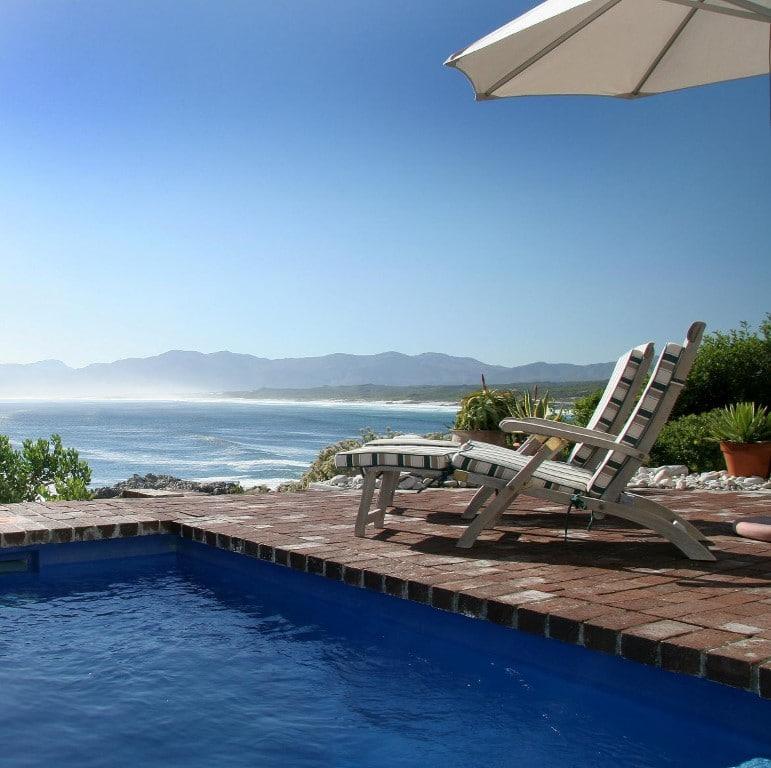 Cliff Lodge - bij het zwembad