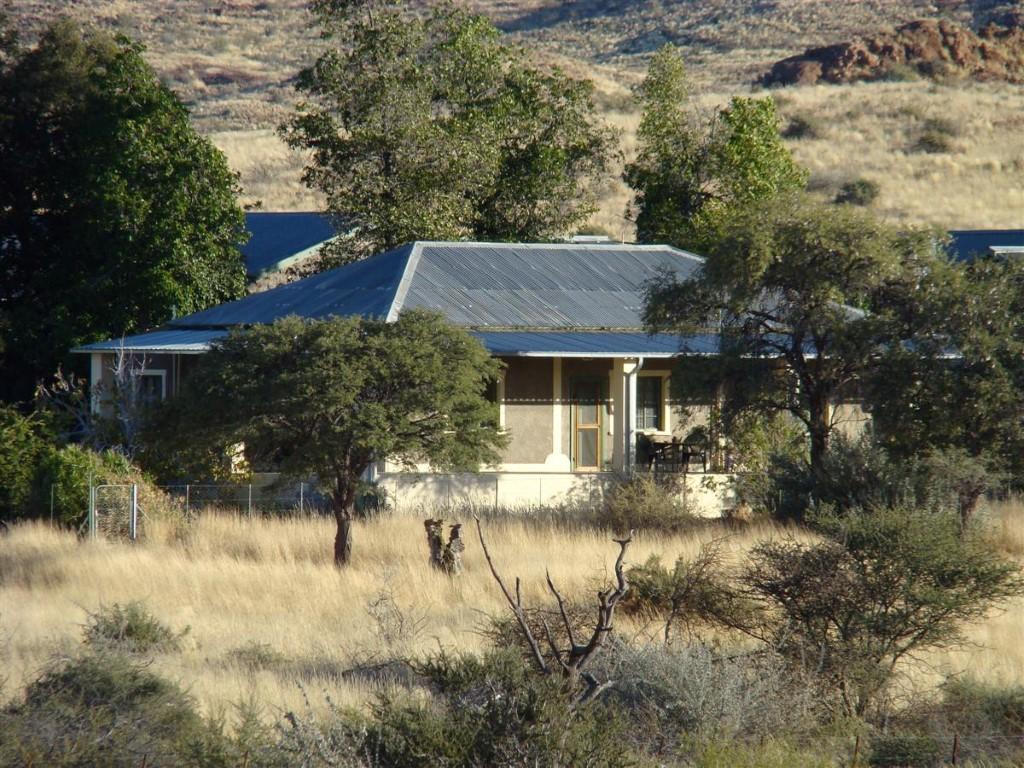 Dabis Guest Farm - Huisjes midden in de natuur
