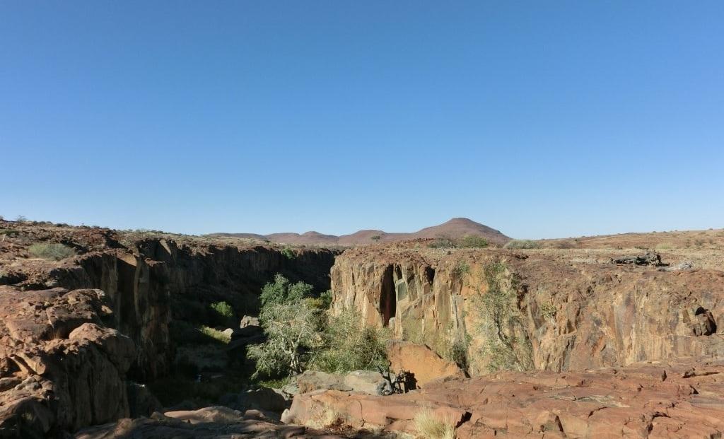 Damaraland - Uitzicht over ravijn