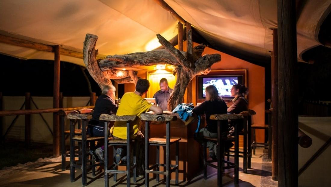 Desert Camp - Bar