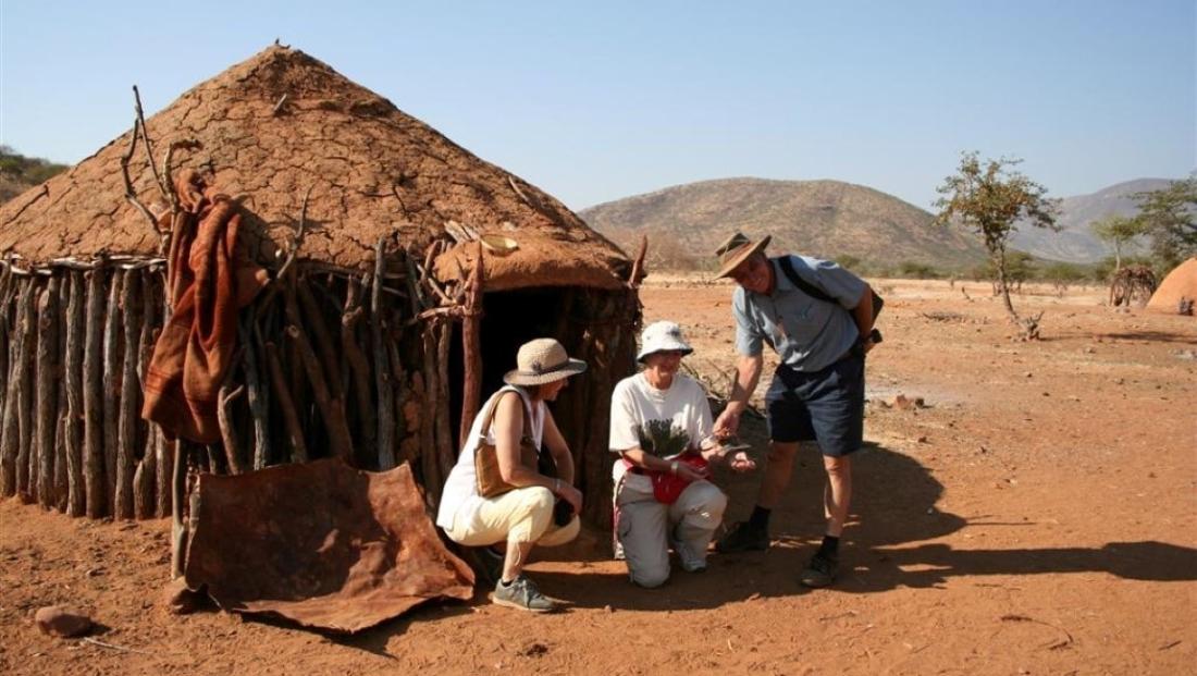Epupa Camp - Bezoek aan Himba dorp