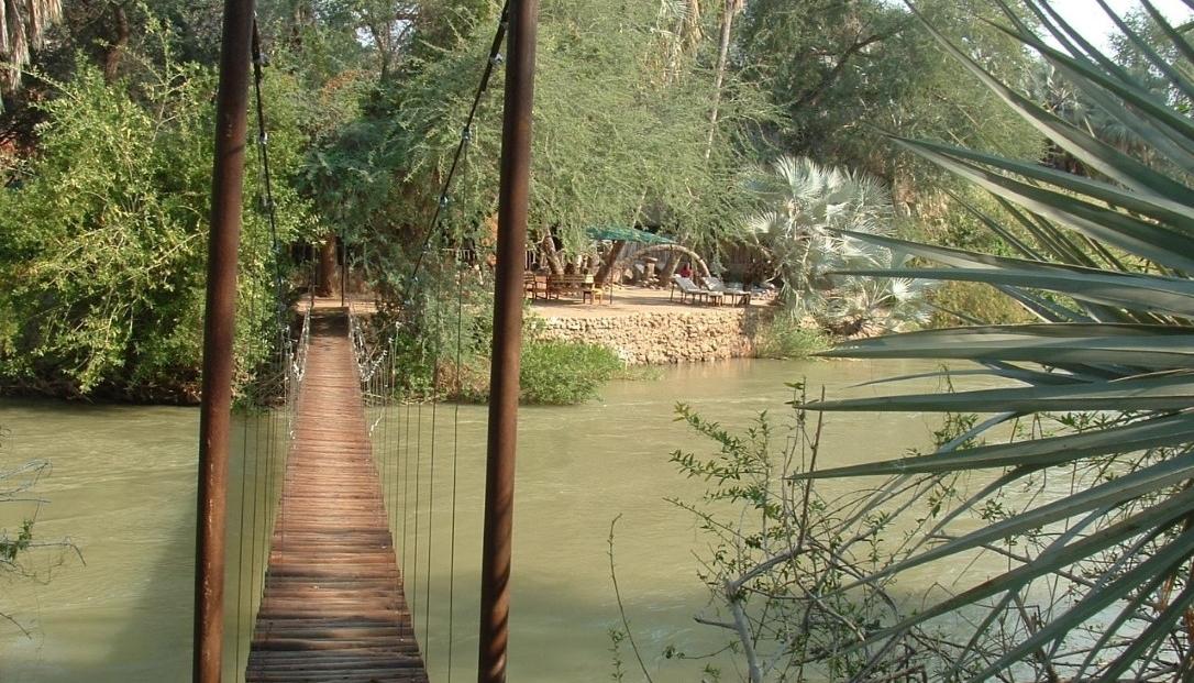 Epupa Camp - Brug over de rivier