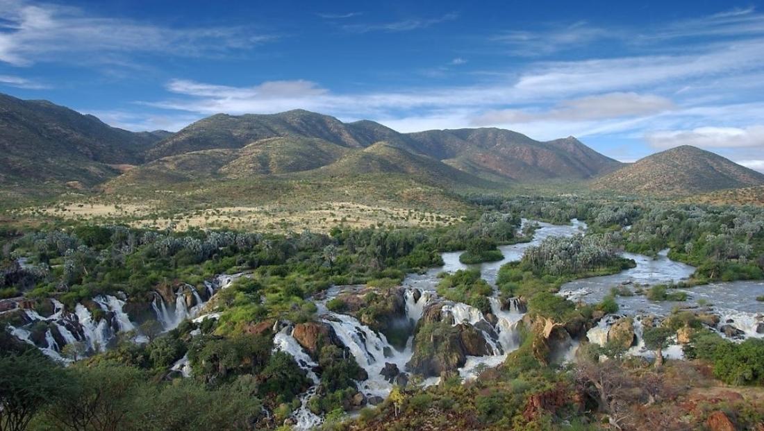 Epupa Camp - Uitzicht over Epupa Falls