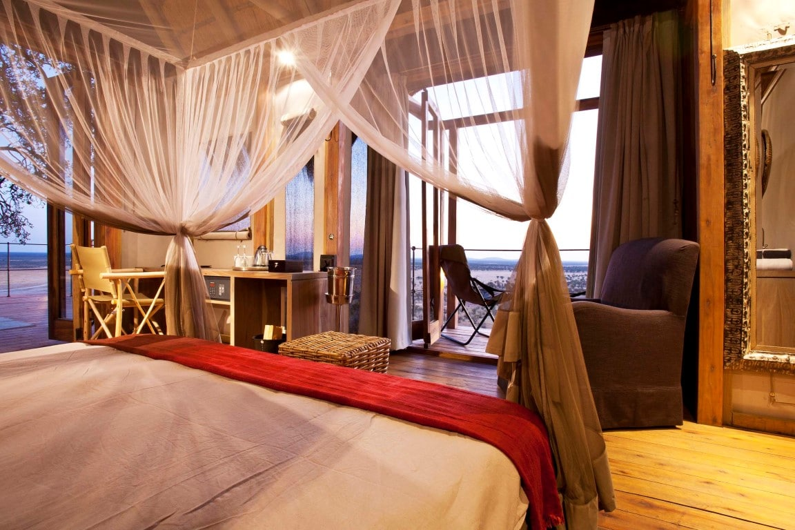 Kampeerreizen in Afrika - Slaapkamer met uitzicht Dolomite Camp