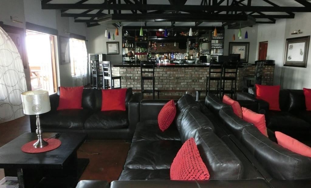 Etosha Safari Lodge - bar - lounge