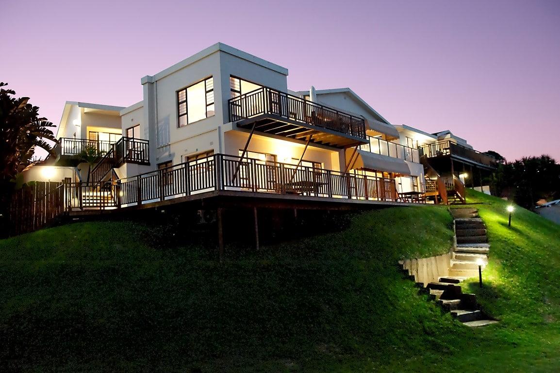 Fairlight Beach House - trap naar strand