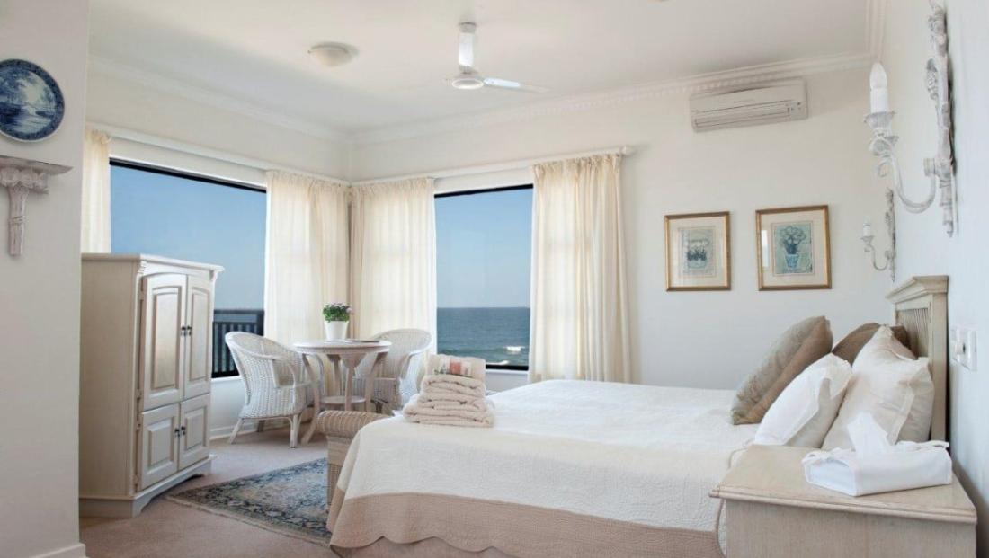 Fairlight Beach House - slaapkamer zeezicht