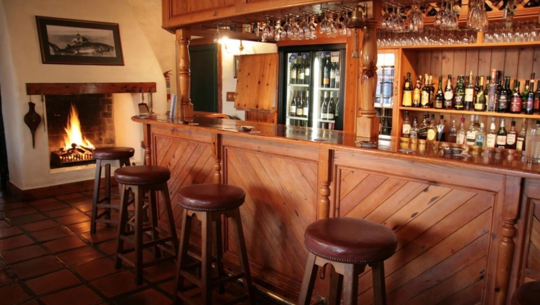 Farmhouse - bar