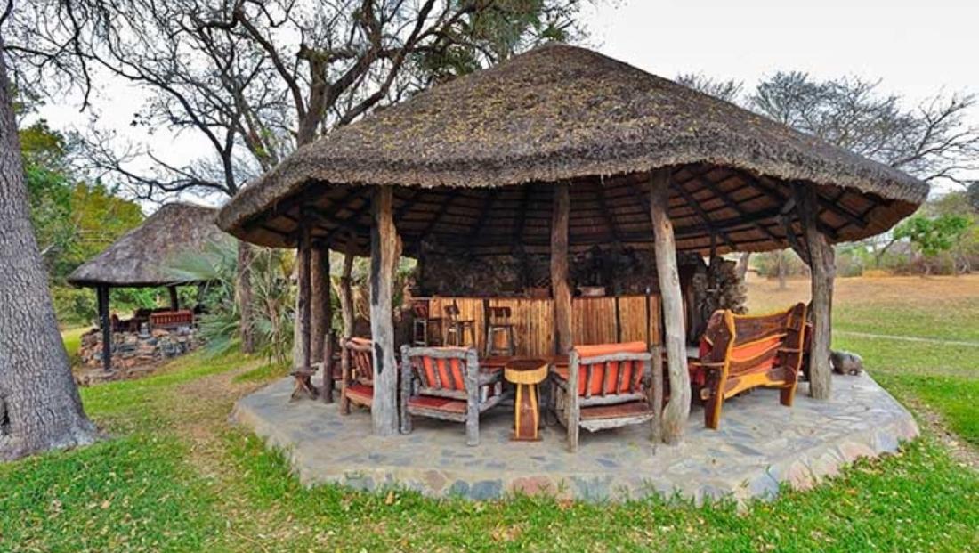Hippo Lodge - bar