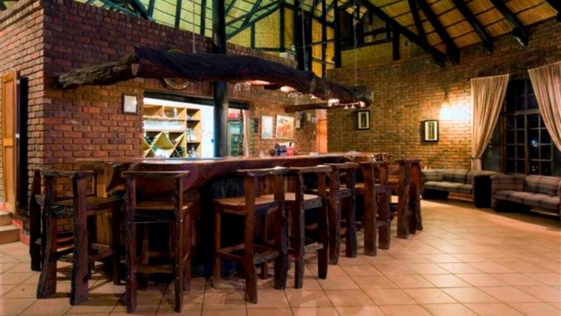 Kaisosi River Lodge - bar