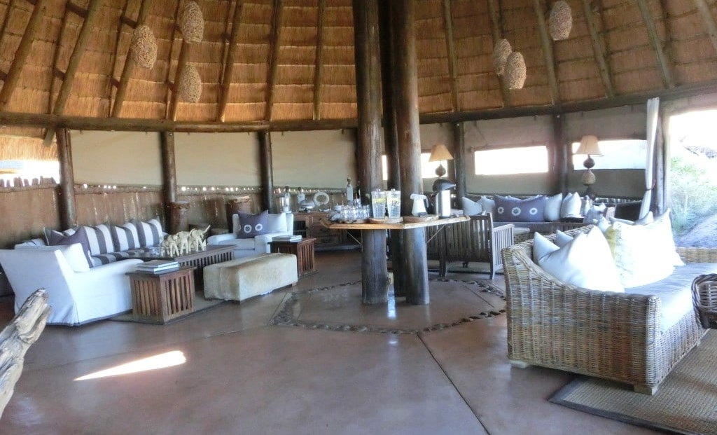 Mowani Mountain Camp - lounge