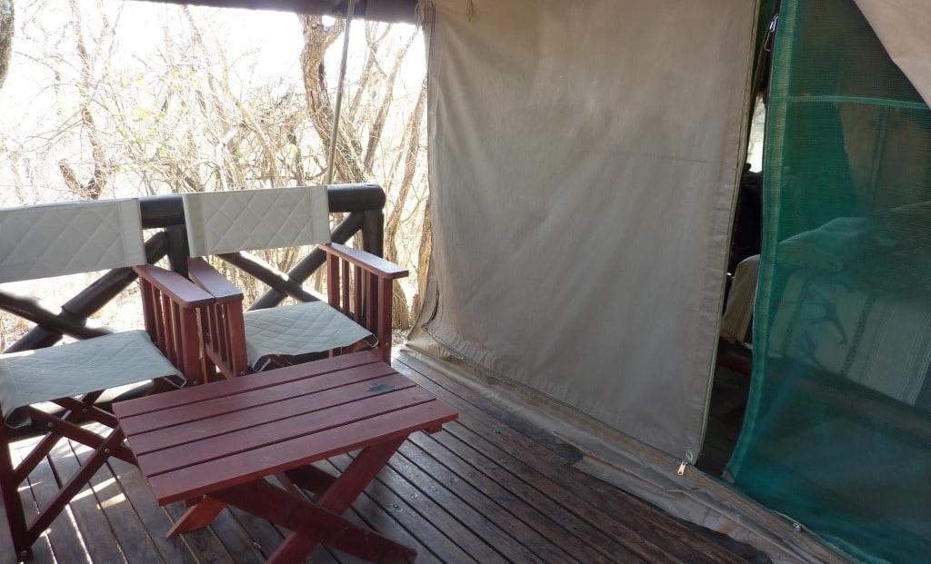 Hluhluwe-Imfolozi Mpila Camp - terras voor tent