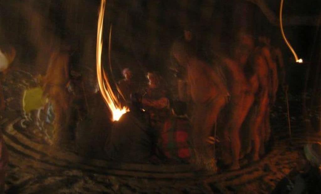 Nhoma Camp - San dansen om vuur