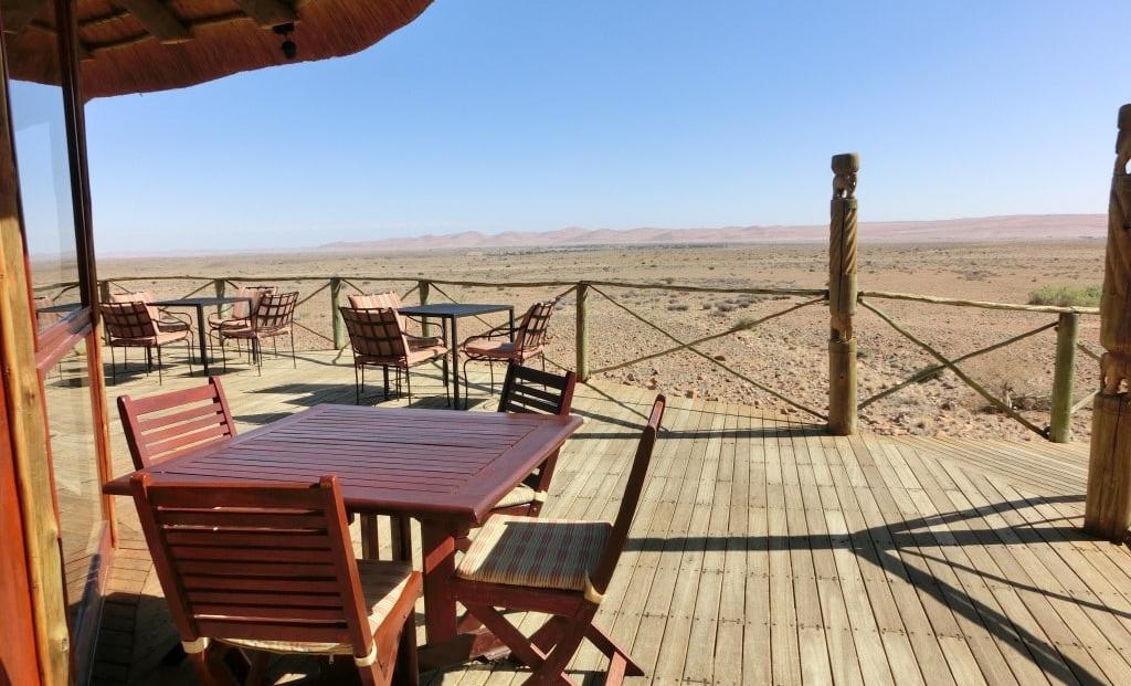 Sossus Dune Lodge - uitzicht vanaf terras