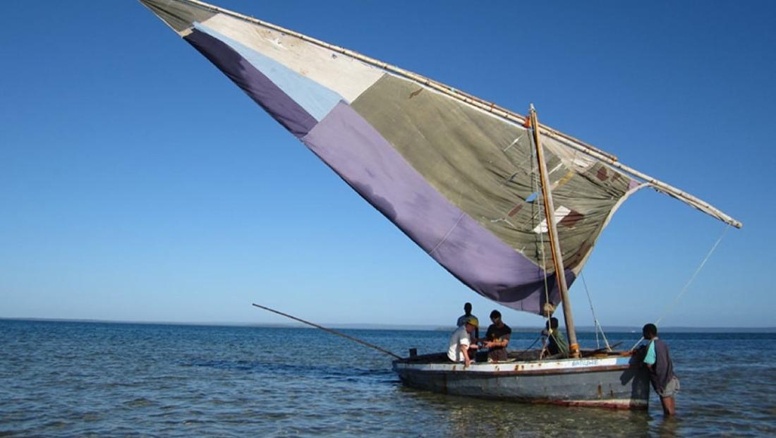 Mozambique - Dhow op de oceaan