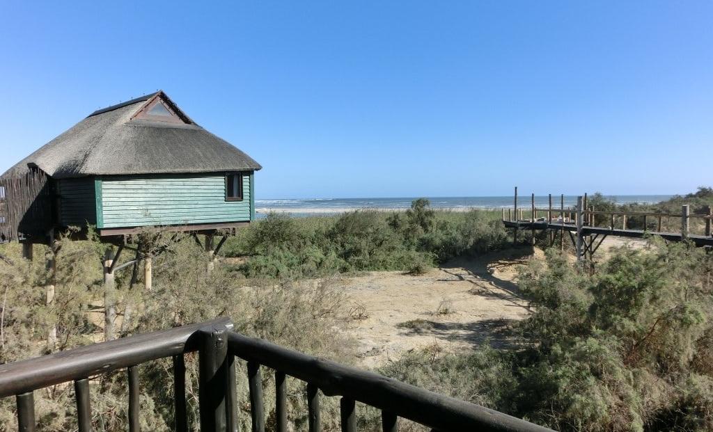 The Stiltz - uitzicht op zee vanuit huisje