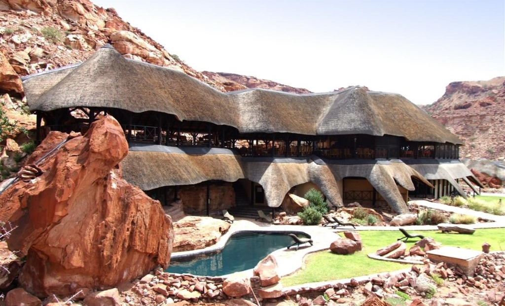 Twyfelfontein Country Lodge - zwembad