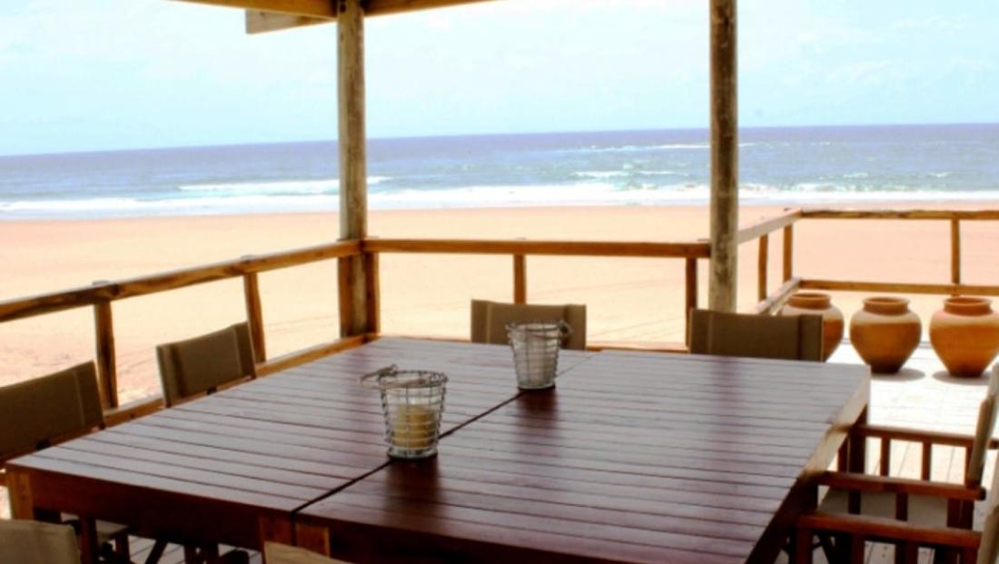Corasiida Guesthouse - Restaurant aan het strand