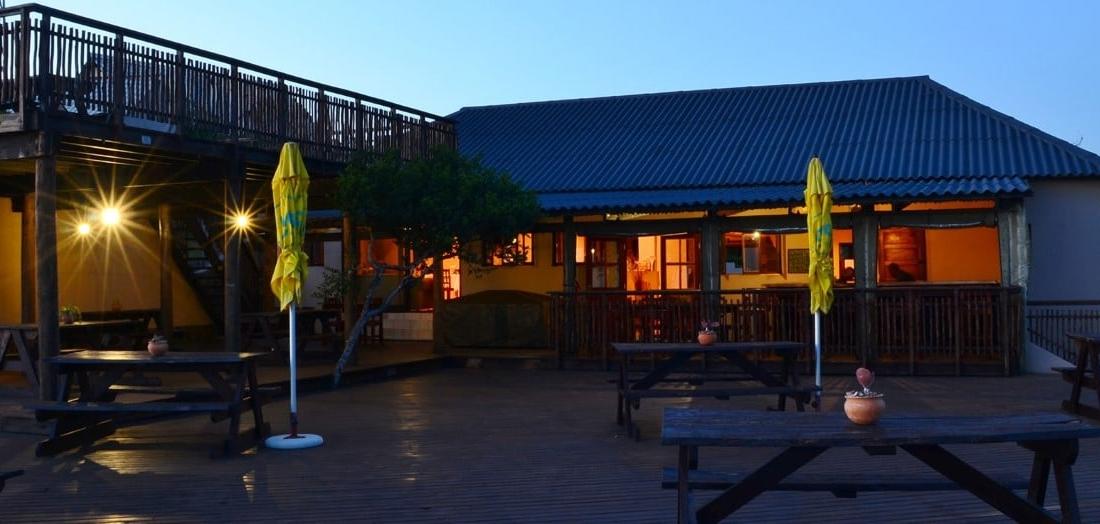 Sunset Beach Lodge - Terras