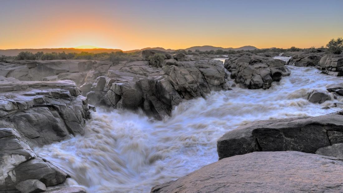 Augrabies Falls - wilde rivier