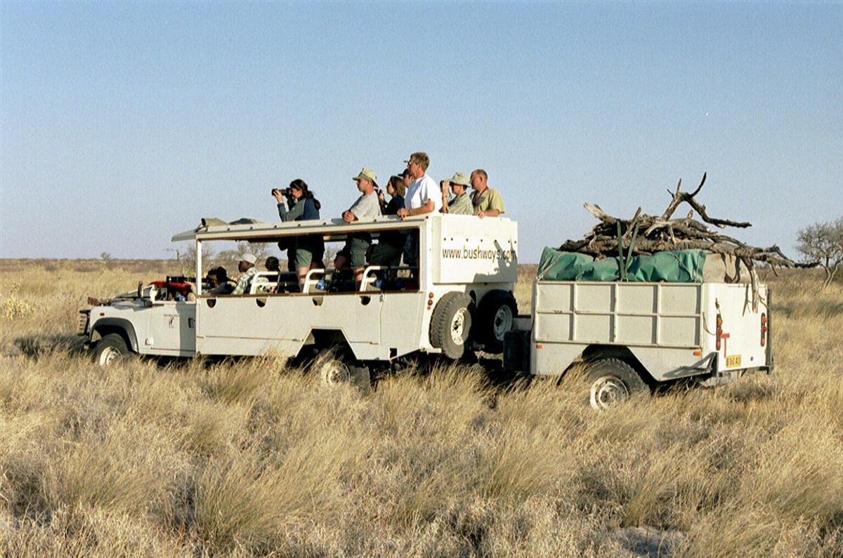 Individuele reizen Afrika - Groepskampeersafari Botswana, jeep met trailer