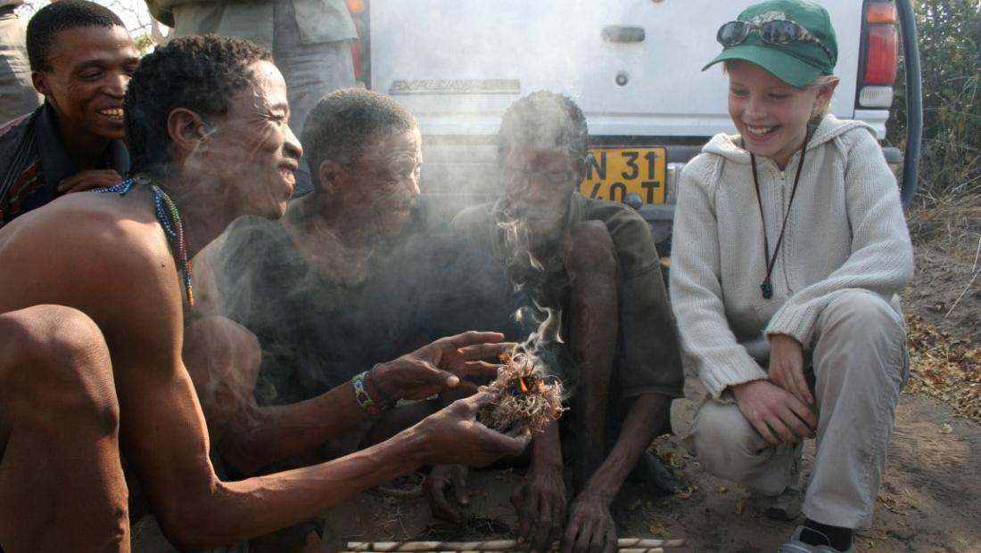Bushmen - Vuur maken met kinderen