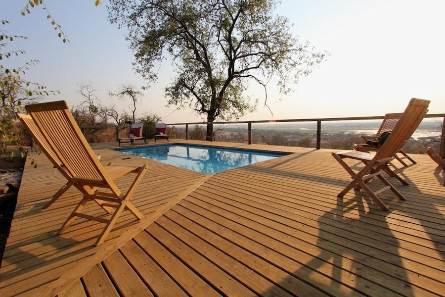 Chobe Elephant Camp - Zwembad met uitzicht over de wildernis