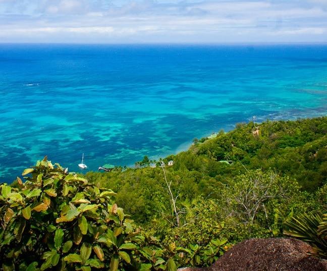 Coco de Mer Hotel & Black Parrot Suites - uitzicht