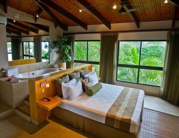 Coco de Mer Hotel & Black Parrot Suites - hotelkamer
