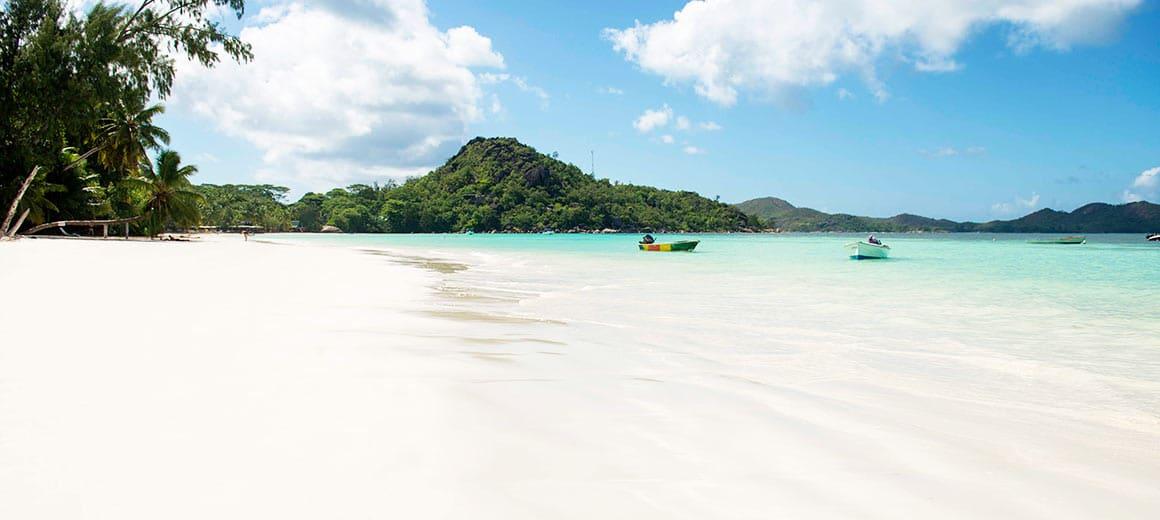 Op vakantie naar de Seychellen, dit zijn de mogelijkheden - Strand, zee Mahe, Seychellen, Afrika