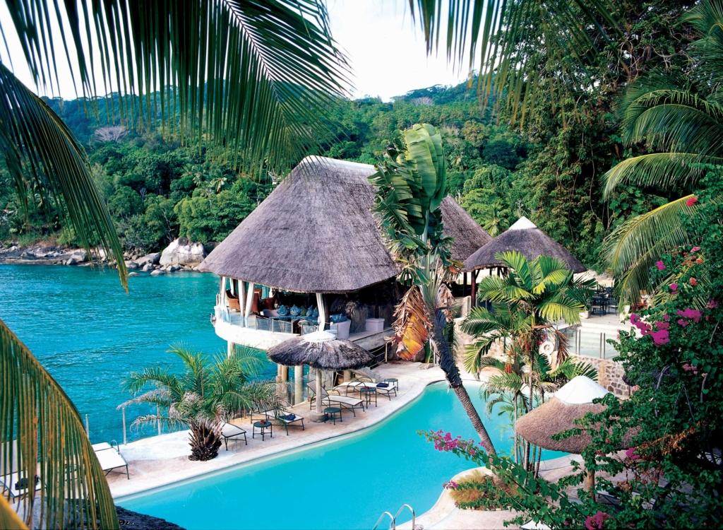 Zwembad Sunset Beach Hotel - Dit zijn de mooiste huwelijksreisbestemmingen in Afrika