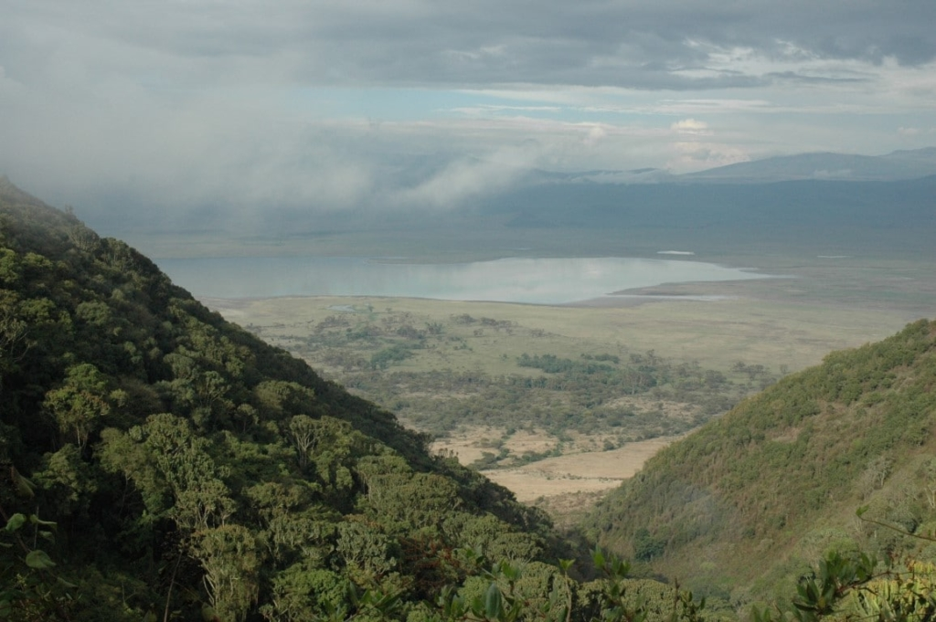 Uitzicht over de Ngorongoro Crater vanaf de rand - Rondreis door noordelijk Tanzania en Zanzibar