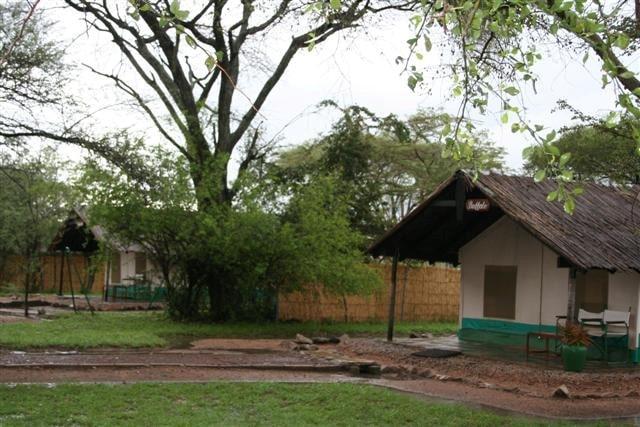 Kijereshi Tented Camp - huisjes