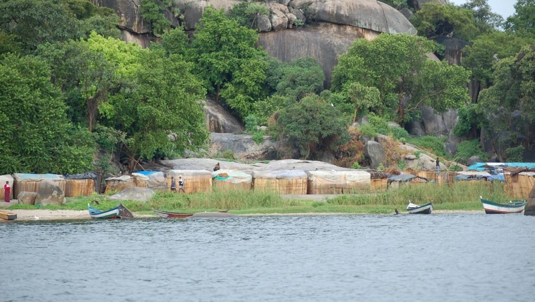 Lake Victoria - hutjes aan de rand van het meer