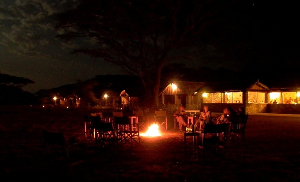 Ndutu Safari Lodge - bij vuurplaats