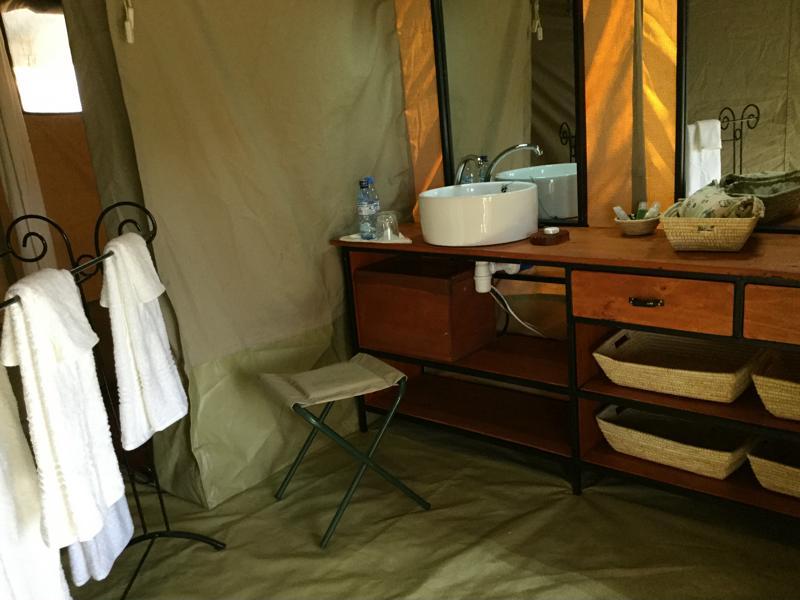 Thorn Tree Tented Camp - badkamer