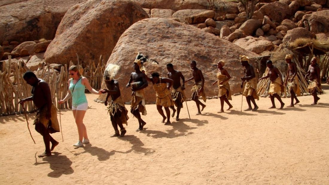 Damaraland - Dansen met Damara's in Namibië