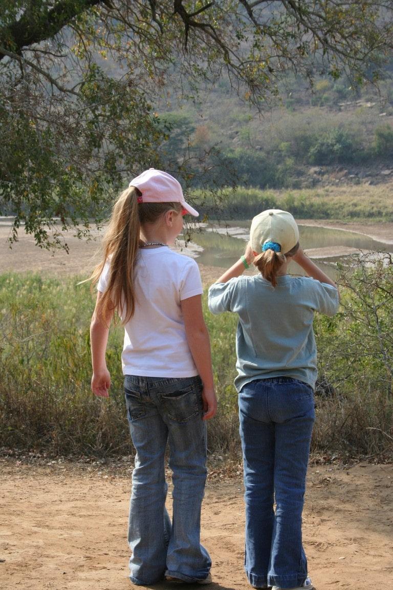 Een kindvriendelijke vakantie in Zuid-Afrika - kinderen, drinkplaats, Pilanesberg NP, Zuid Afrika