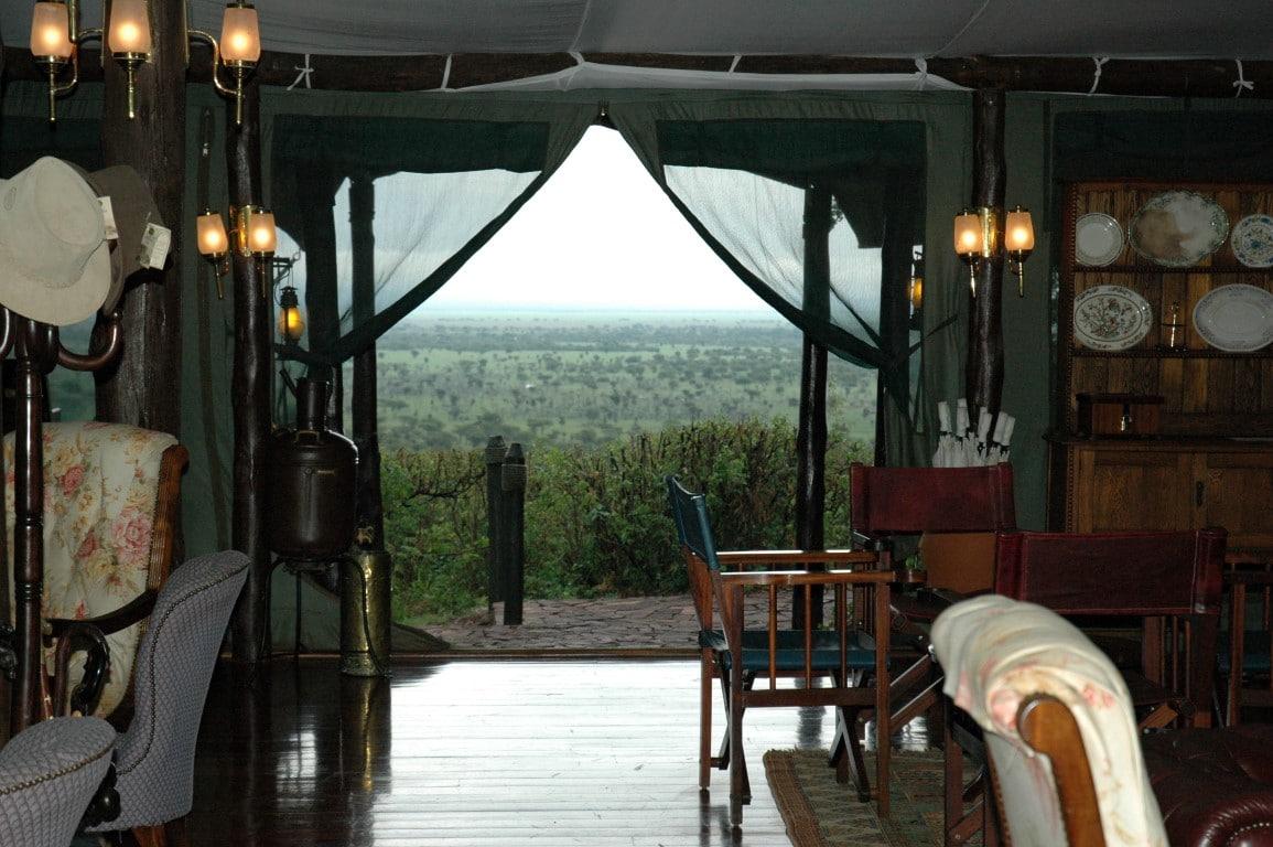 De mooiste huwelijksreisbestemmingen in Afrika - tented camp, Serengeti NP, Tanzania