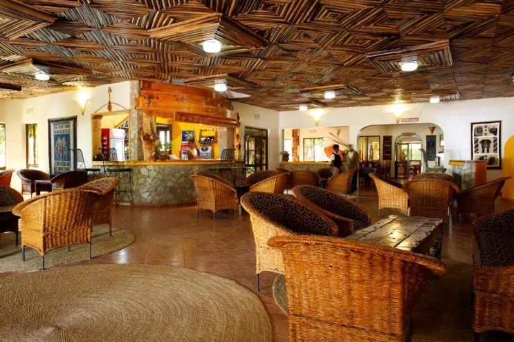Bougainvillea Safari Lodge - lounge en bar