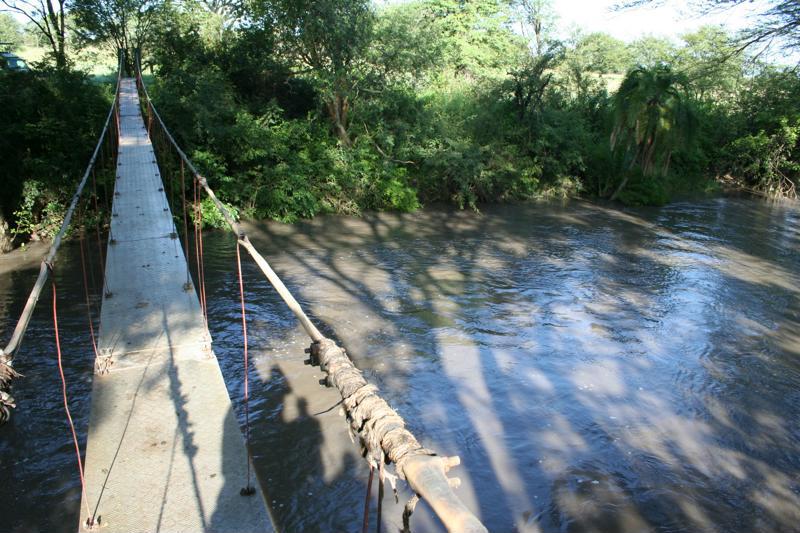 Mbalageti Serengeti - touwbrug