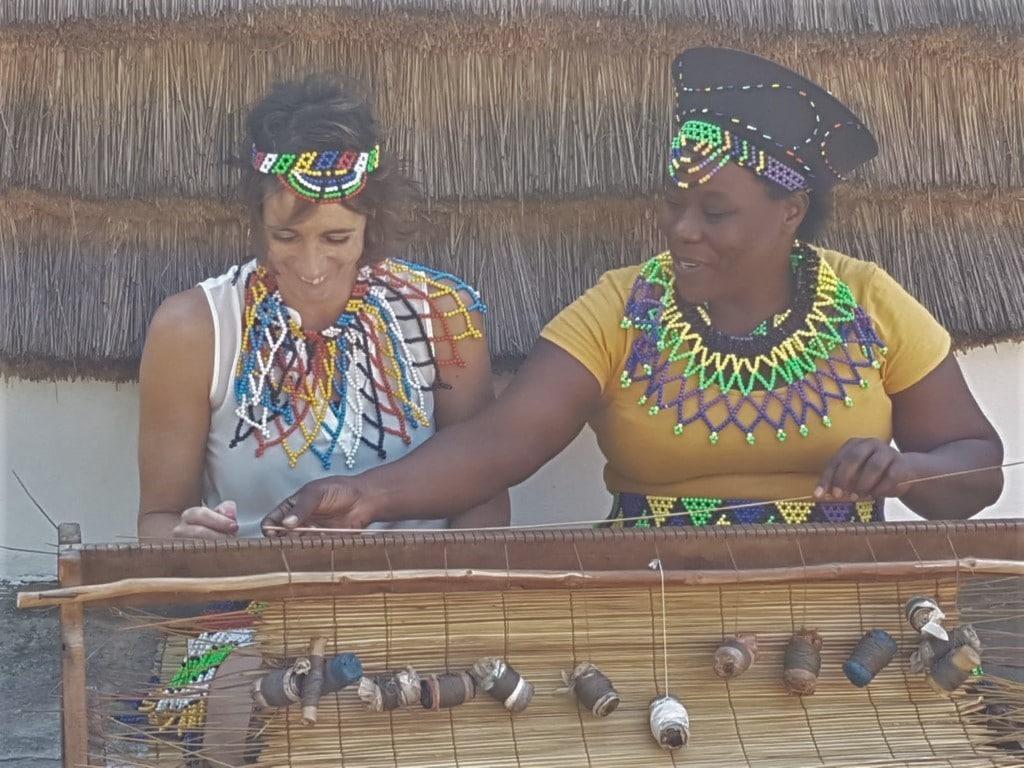 Ontmoet de locals - dorpsbezoek, Zulu dorp, St. Lucia, Zuid-Afrika